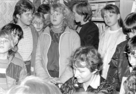 Markéta Zinnerová mezi dětmi